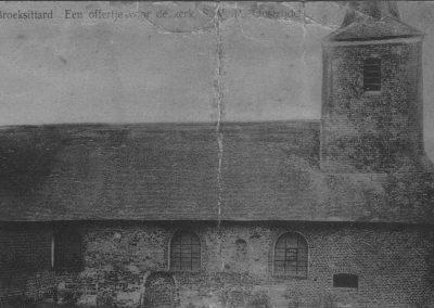 01 het oude kerkje van buitenKerkje oud